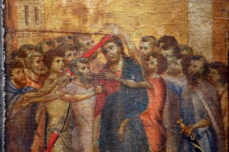 法國老奶奶家中廚房掛著的畫作,日前被鑑定是文藝復興時期義大利畫家契馬布埃(Cimabue)的〈受嘲弄的基督〉(Christ Mocked),原本評估最高拍賣價是600萬歐元(約新台幣2億元),沒想到最後以2400萬歐元(約新台幣8.1億元)賣出。(路透)