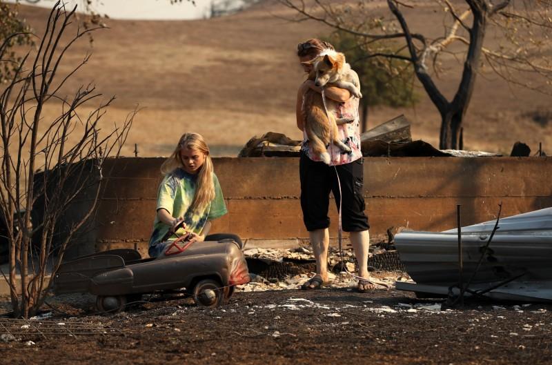加州野火延燒,民眾慘受損失。(法新社)