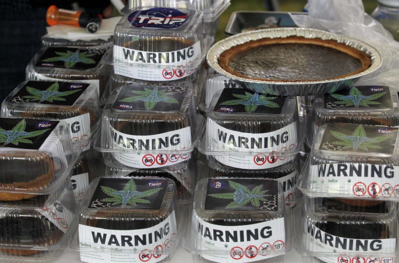 德國一群民眾送葬後依照習俗到餐廳食用甜點,孰料卻吃到大麻蛋糕,導致13人出現中毒症狀。大麻蛋糕示意圖。(法新社)