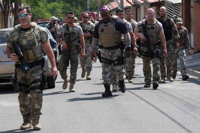 巴西亞馬遜州警察激戰毒梟,17名毒販遭到擊斃。巴西警察示意圖。(法新社)