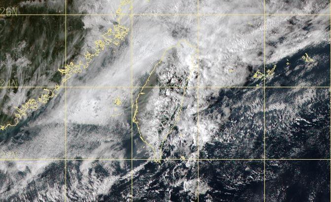氣象局指出,受到「東北季風異常降雨」影響,宜蘭發生超大豪雨。(圖擷取自中央氣象局)