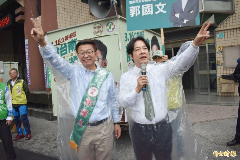 賴清德(右)明天將為林俊憲助選,並首度與蔡英文同台。(記者楊金城攝)
