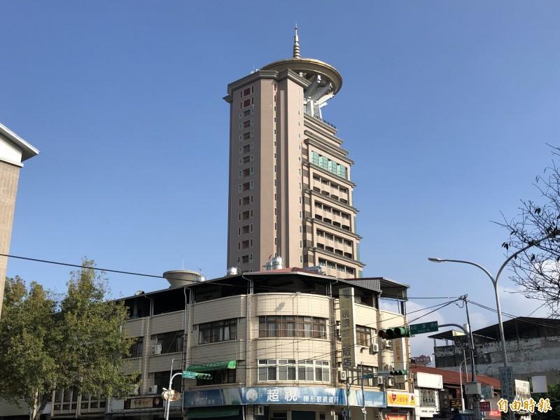 埔里鎮市區最高建築普天精舍。(記者佟振國攝)