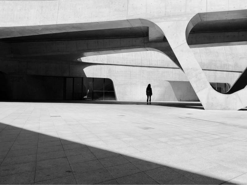 黃越謙以作品「Disconnected」奪得今年IPA國際攝影獎專業組榮譽獎。(黃越謙提供)