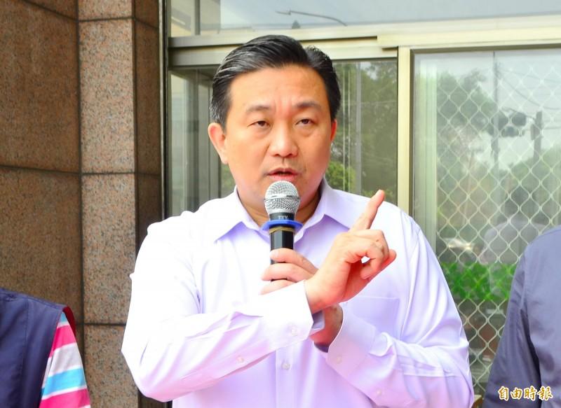 針對惠台26條的立場,立委王定宇質疑國民黨與韓國瑜政治表態樂見一國兩制。(記者吳俊鋒攝)