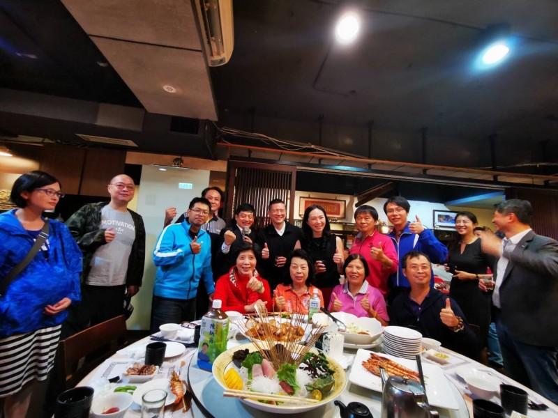 邱達平表示,當天是母親102歲生日大壽,並非韓國瑜支持者餐會。(邱達平提供)