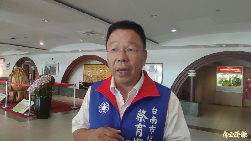 蔡育輝表示,林志玲要返鄉辦婚禮,鄉親與有榮焉,但也盼她能關注溪北地區邊緣化的問題。(記者蔡文居攝)