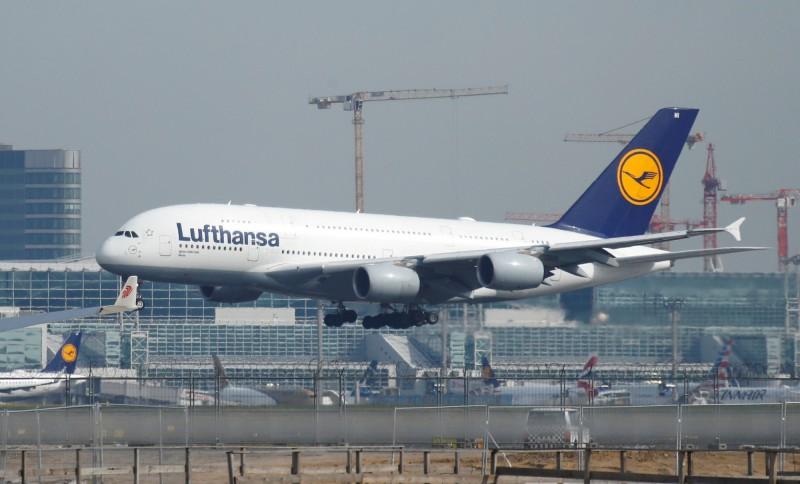 德國漢莎航空空服員罷工,取消1300個航班。(路透)