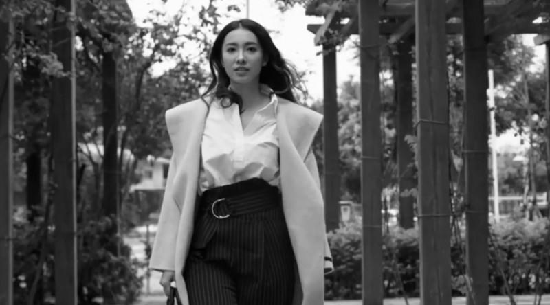 檢察官劉昱吟當「查賄HERO」影片的女主角,亮眼外表吸引民眾目光。(中央社)