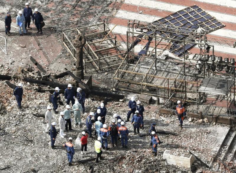日本沖繩縣那霸市的首里城在10月31日發生大火,包括正殿、北殿和南殿等7棟建築物全部燒毀。(美聯社資料照)