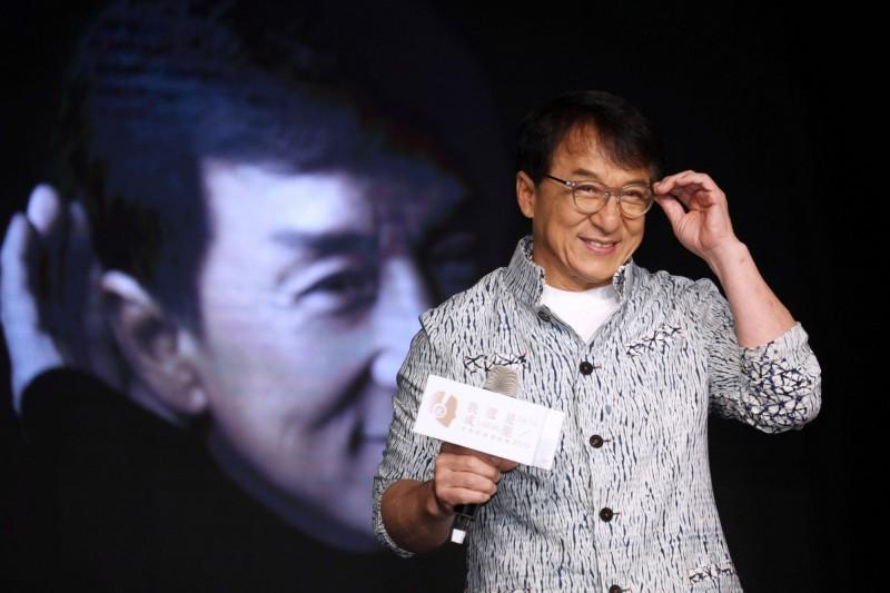 中國政協、香港知名武打影星成龍因支持中國「九段線」主張,為公益團體「微笑行動(越南)」的代言遭取消。(資料照,法新社)