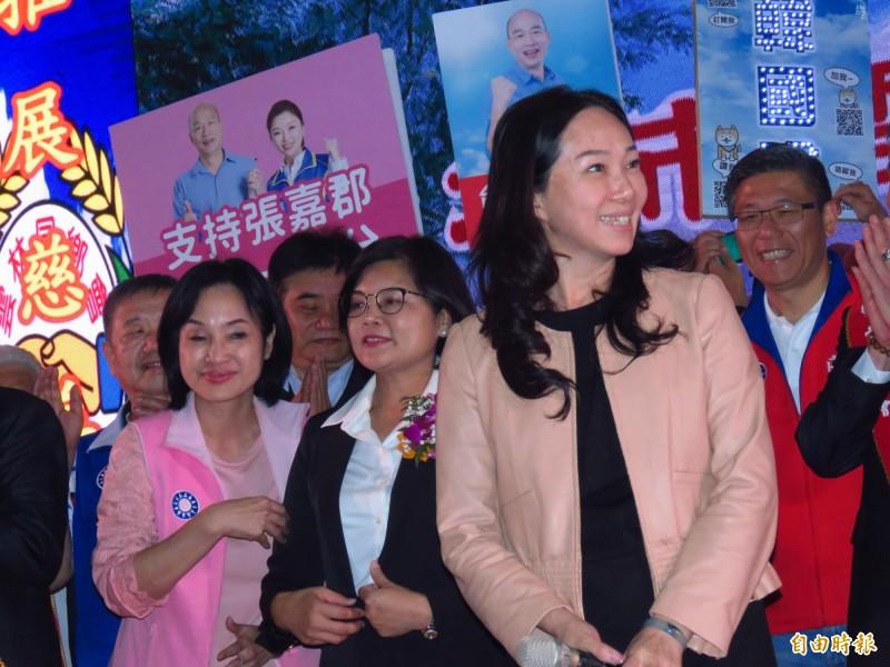 韓國瑜妻子李佳芬至新北雲林同鄉會理事長、理監事就職典禮拉票。(記者陳心瑜攝)