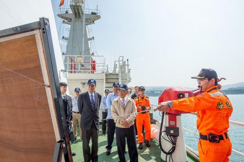 行政院長蘇貞昌將進一步推出向海致敬政策。(資料照,行政院提供)
