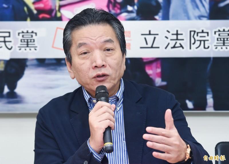 親民黨秘書長李鴻鈞受訪表示,對郭宋配傳聞一無所悉,請大家再等幾天,親民黨很快會有答案。(資料照)