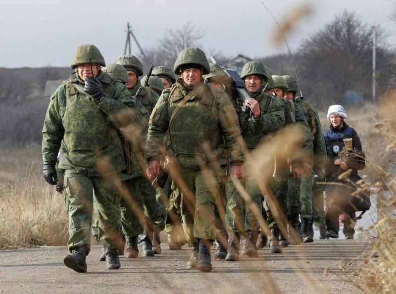 烏克蘭東部頓巴斯內戰區今日傳出烏克蘭政府軍以及俄國支持的叛軍雙方已逐步撤兵,未來有望促成和平高峰會、結束戰亂局面。(路透)