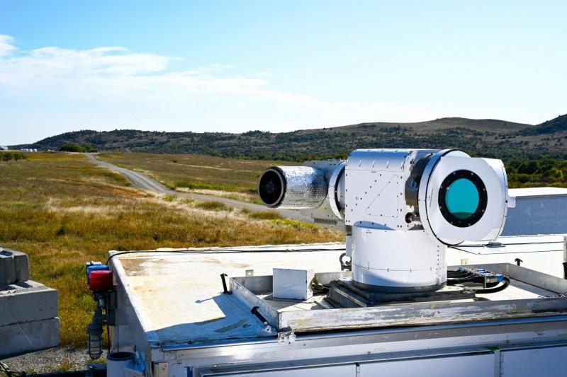 美軍使用雷射武器摧毀無人機。(圖片取自洛克希德馬丁官網)