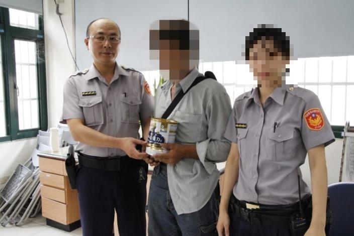王姓巡佐(左)因摔傷小三被判刑。(記者蔡彰盛翻攝)