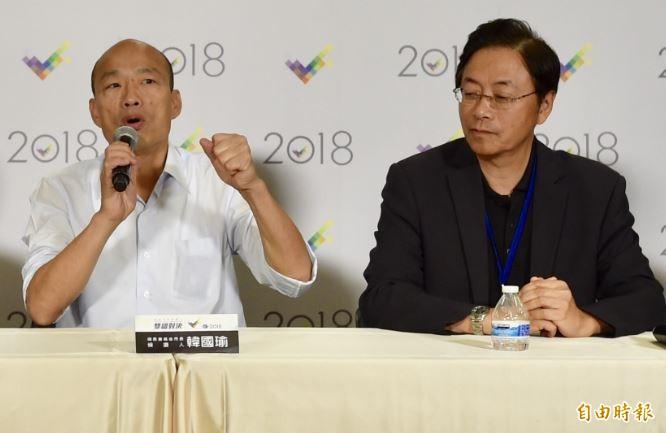 外傳有韓營人馬踢爆,韓國瑜(左)是遭朱立倫拒絕後,才找上張善政(右)搭檔。(資料照)