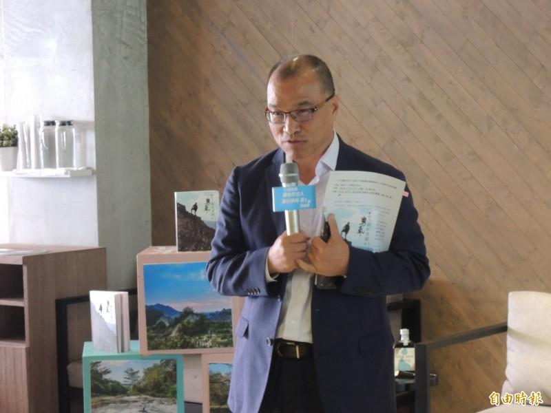代理高雄市長的副市長葉匡時公開感謝總統蔡英文旅遊補助政策,要大家盡量用、但票別投她。(記者王榮祥攝)
