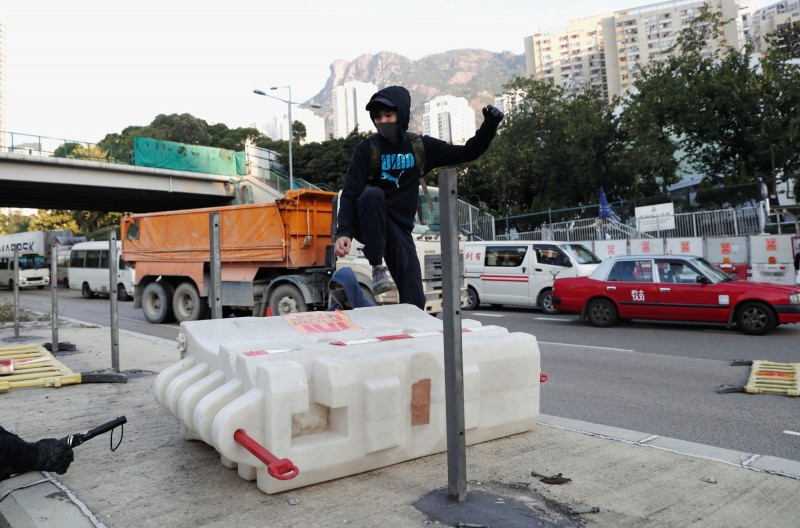 香港1111大三罷,一早多處交通受阻。(路透)
