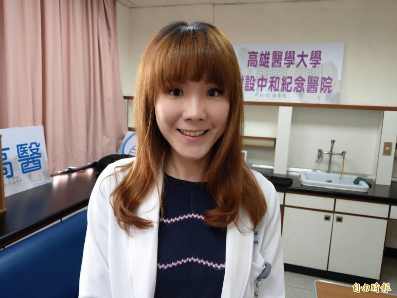 泌尿科醫師陳妤甄提醒情趣環使用不當,可能造成生殖器缺血壞死。(記者方志賢攝)