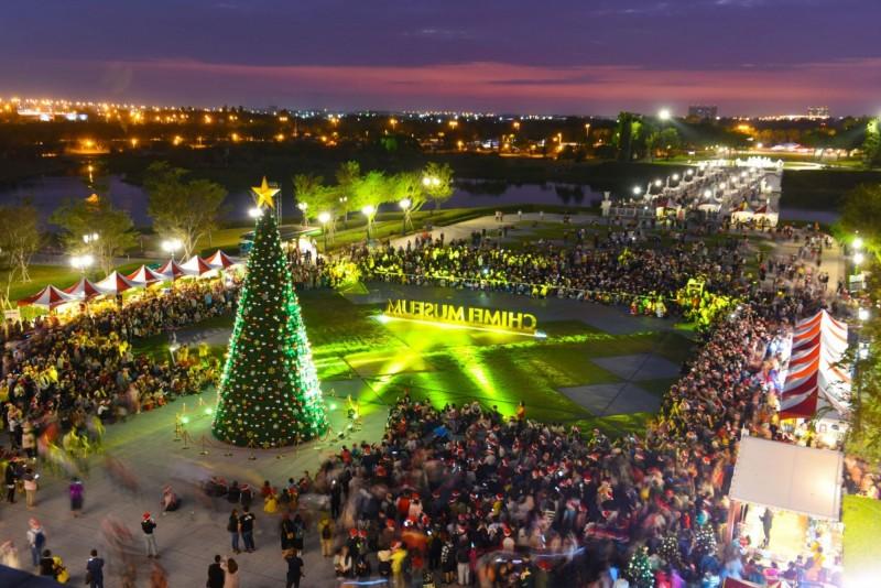 去年的「奇美聖誕週末」活動,深受歡迎。(記者吳俊鋒翻攝)