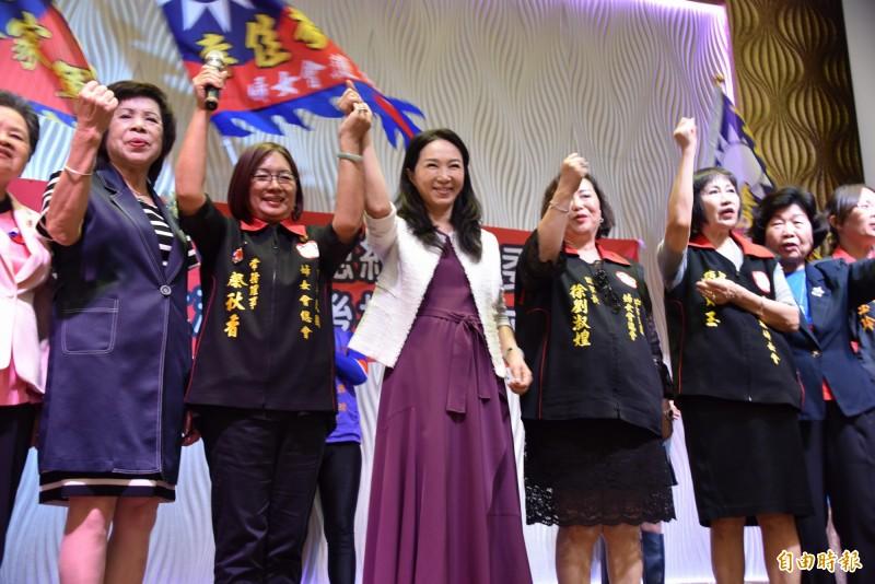 李佳芬11日中午在屏東參加韓國瑜屏東縣婦女後援會成立活動,語出驚人的批評教小學生「肛交」、「高潮」,引發爭議。(資料照,記者葉永騫攝)