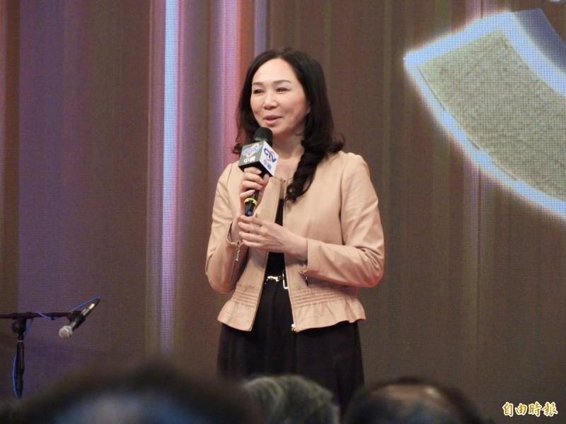 陳芳明在臉書強調,李佳芬必須對指稱國小教科書教「肛交」和「性高潮」一事公開道歉。(資料照)