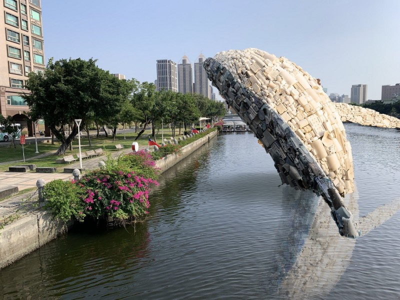 「愛河.愛之鯨」未來完成的示意圖。(高雄市政府提供)