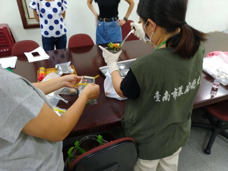 南市今年3起校園群聚腹瀉事件,衛生局採檢體檢驗後均發現諾羅病毒。(台南市衛生局提供)