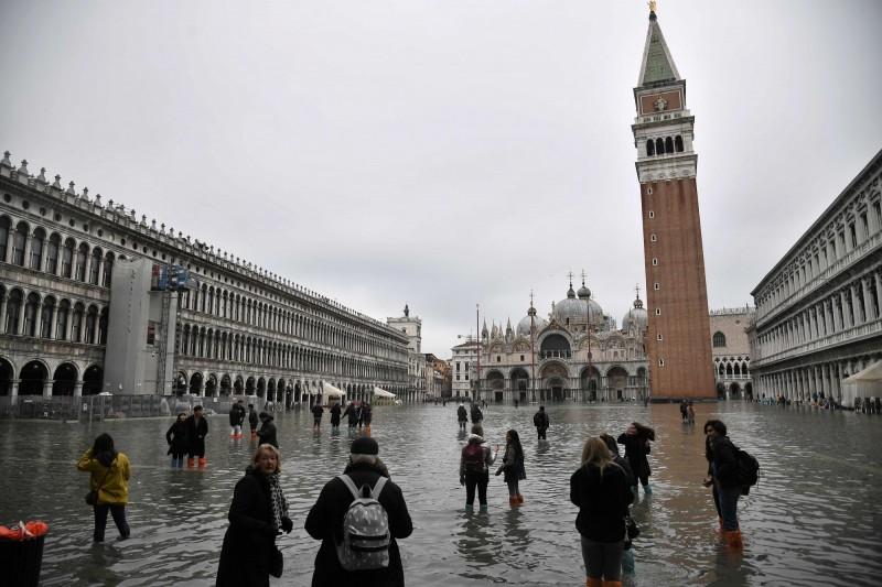 聖馬可廣場被洪水淹沒。(美聯社)