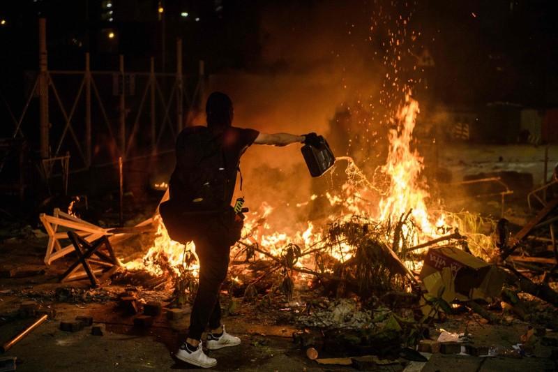 香港中文大學遭港警進攻,被外界認為淪為戰場。(法新社)