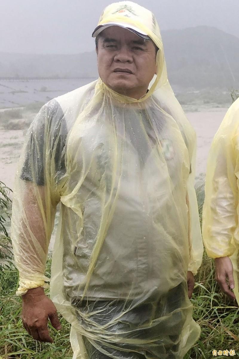 莊瑞雄在屏南服務認真。(記者蔡宗憲攝)