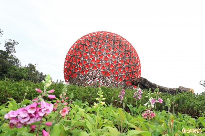 后里森林園區「聆聽花開的聲音」大型裝置藝術,花博展出期間的樣貌。(資料照)