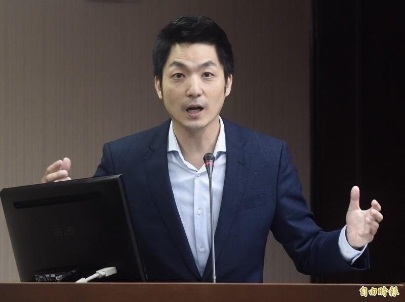 國民黨立委蔣萬安今天凌晨在臉書發文表達力挺香港學生及年輕人,引發熱議。(資料照)