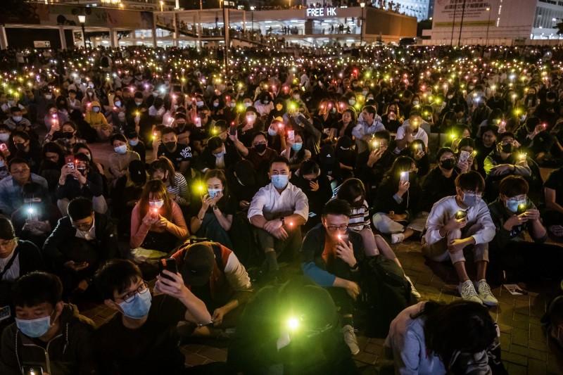 美國聯邦參議院14日針對《香港人權與民主法案》(Hong Kong Human Rights and Democracy Act)啟動「熱線」(hotline)機制,要求參院快速審議該法案。(彭博)