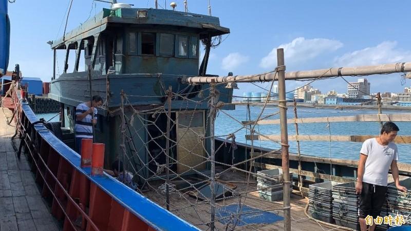 澎湖海巡隊查扣無船名中國漁船,留置四十二天裁罰六十萬元。(記者劉禹慶攝)