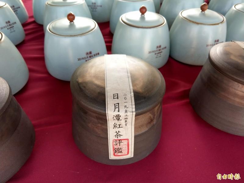 日月潭紅茶文化季活動,特別將日月潭紅茶與日本笠間燒陶器結合,盼結合台日兩地特產,提升國際知名度。(記者劉濱銓攝)