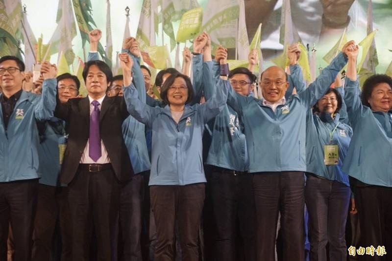 蔡英文高雄競總成立,她喊話台灣要贏、從高雄開始。(記者黃佳琳攝)