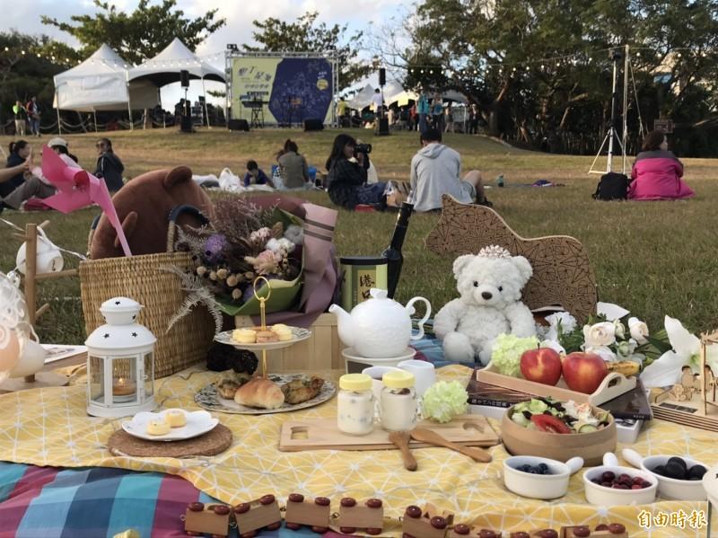 墾丁星海草地音樂會辦野餐佈置競賽。(記者陳彥廷攝)