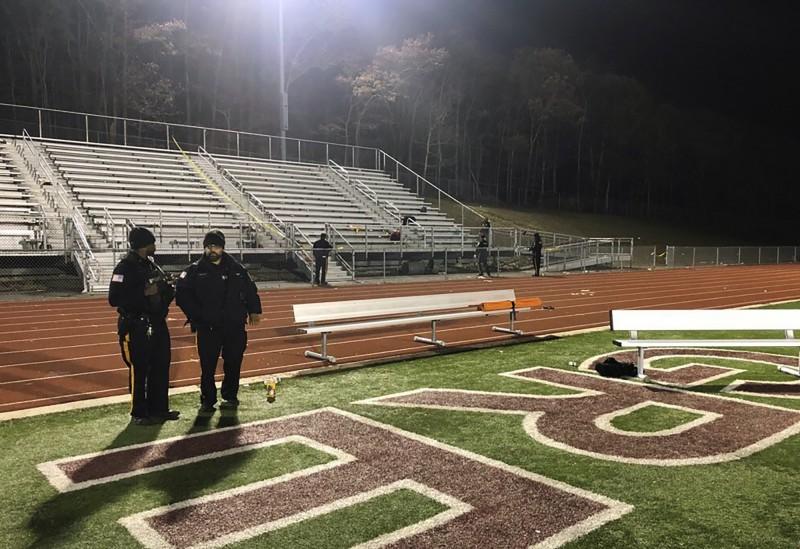 美國加州日前發生校園槍擊案,15日晚間,紐澤西普萊森維爾市一場高中美式足球賽再傳槍擊事件。(美聯社)