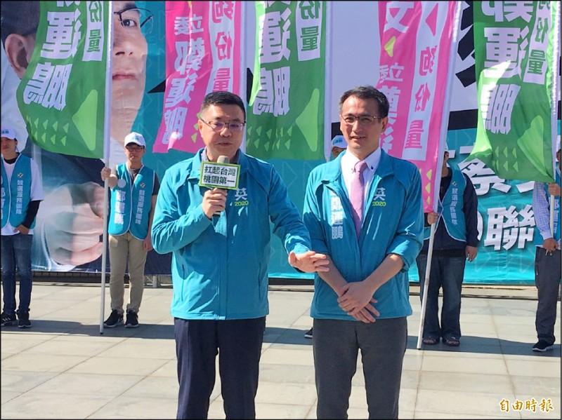 民進黨主席卓榮泰昨譏諷國民黨主席吳敦義,竟然把自己列入不分區,還笑罵由人。(記者謝武雄攝)