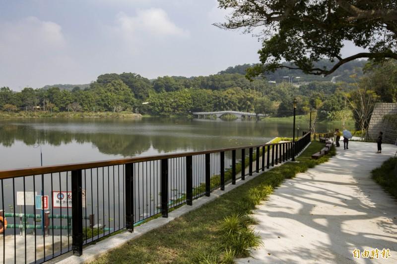 新竹市政府將全面整合青草湖周邊自然環境與生態資源,打造以人為本、親水友善、豐富景觀的環境。(記者蔡彰盛攝)