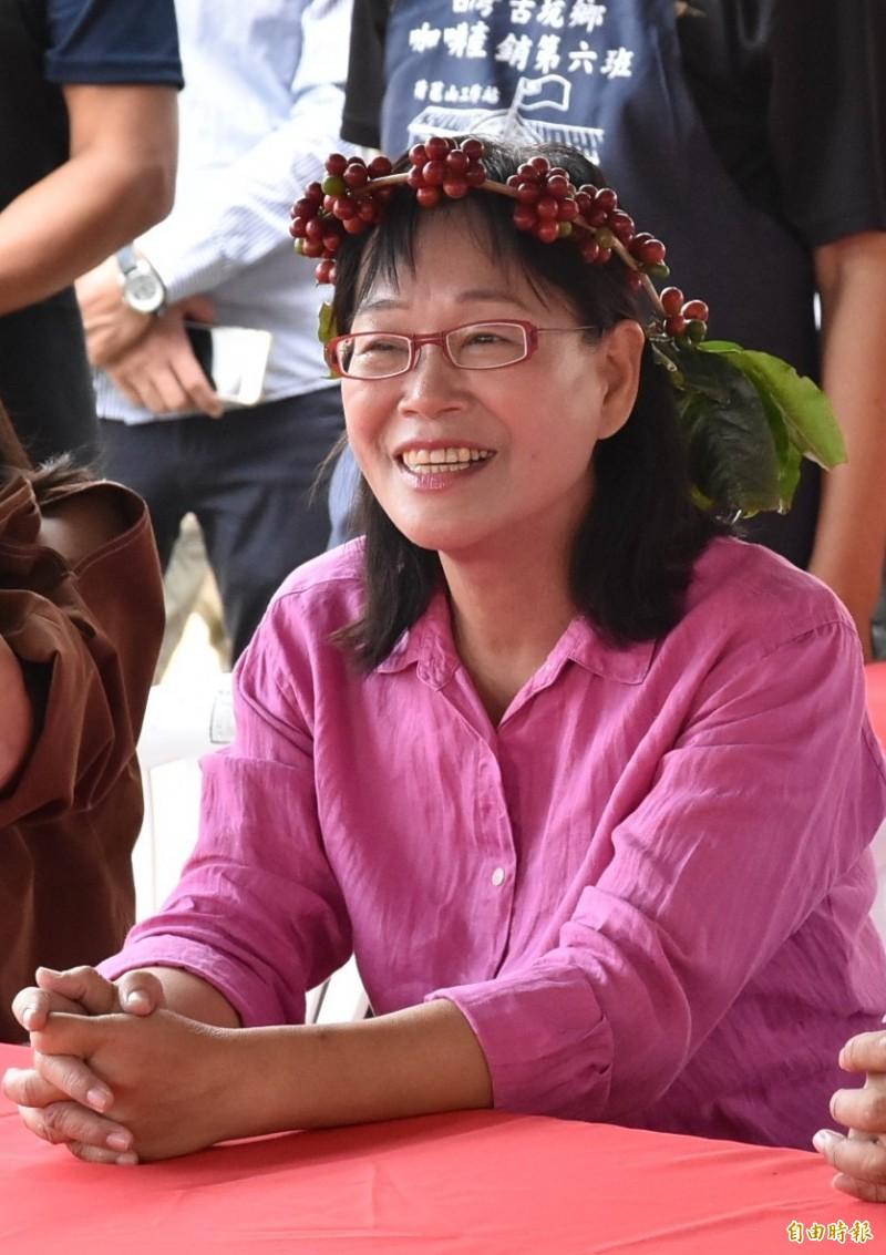 國民黨雲林立委第二選區山線參選人謝淑亞明天一早前往雲林縣選委員會登記。(記者黃淑莉攝)