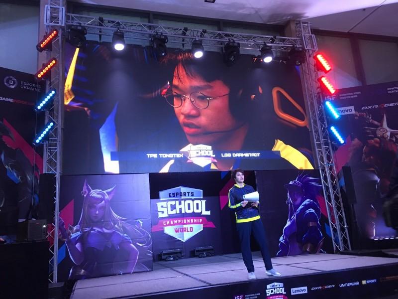 新出爐的世界高中電競冠軍選手之1的曾浩鈞。(圖由田耕豪提供)
