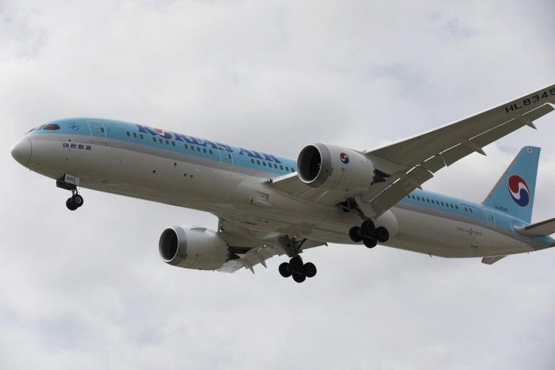 大韓航空一架班機於德國法蘭克福機場跑道上,與納米比亞航空客機發生機翼相撞事件。大韓航空飛機示意圖。(彭博)