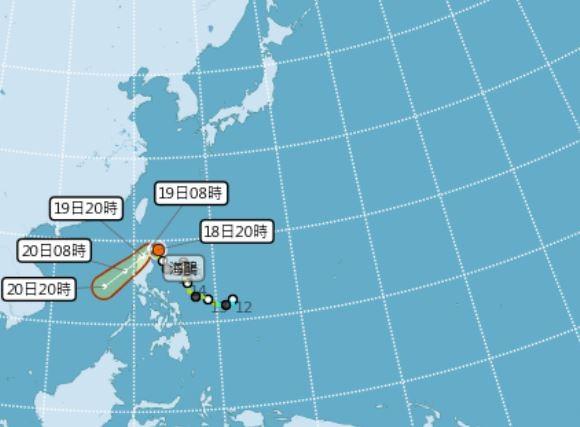 中央氣象局指出,輕颱「海鷗」晚間8點中心位置位於北緯18.9度,東經123度,以每小時8公里速度朝西北西進行,對台灣不會造成直接影響。(擷取自中央氣象局)