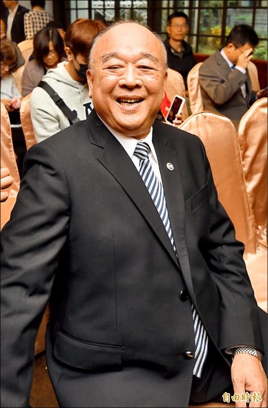 民進黨昨點名在國民黨不分區立委提名名單中的退將吳斯懷不適任,強調只有吳退出名單,才能保障中華民國安全。(記者簡榮豐攝)