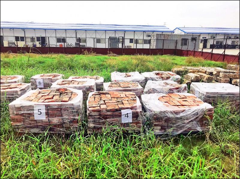 士北科開發案日前發現大批唭哩岸石。(台北市議員黃郁芬提供)
