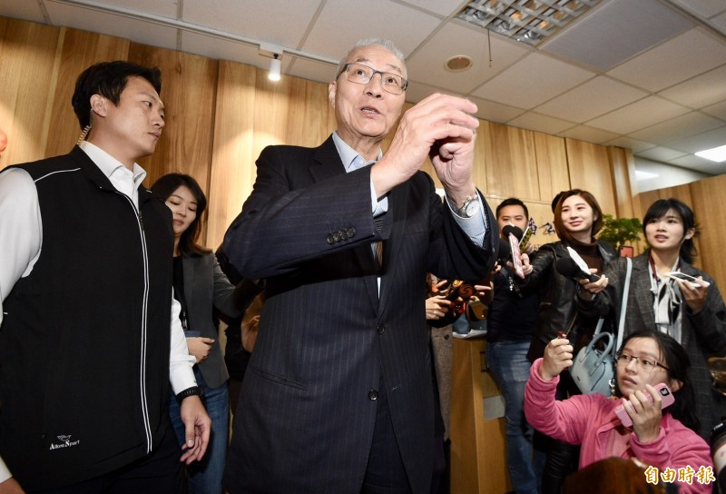 國民黨主席吳敦義表示,這次不分區名單補足了地方執政的不足,對國民黨大選選情是有正面幫助。(記者羅沛德攝)